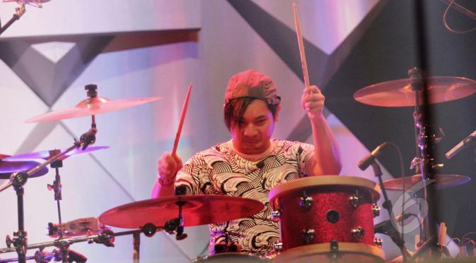 Brian/Drummer